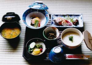 花園亭の朝粥